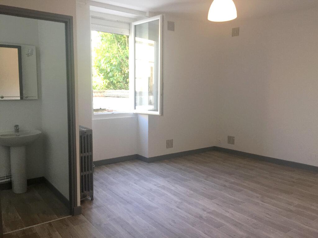 Appartement à louer 4 158m2 à Peyrehorade vignette-3