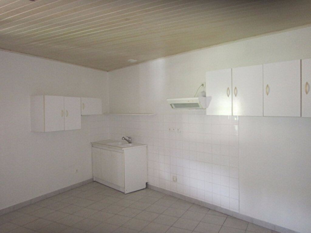 Appartement à louer 5 84.46m2 à Tartas vignette-2