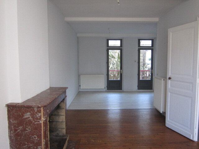 Maison à louer 6 130.89m2 à Dax vignette-3