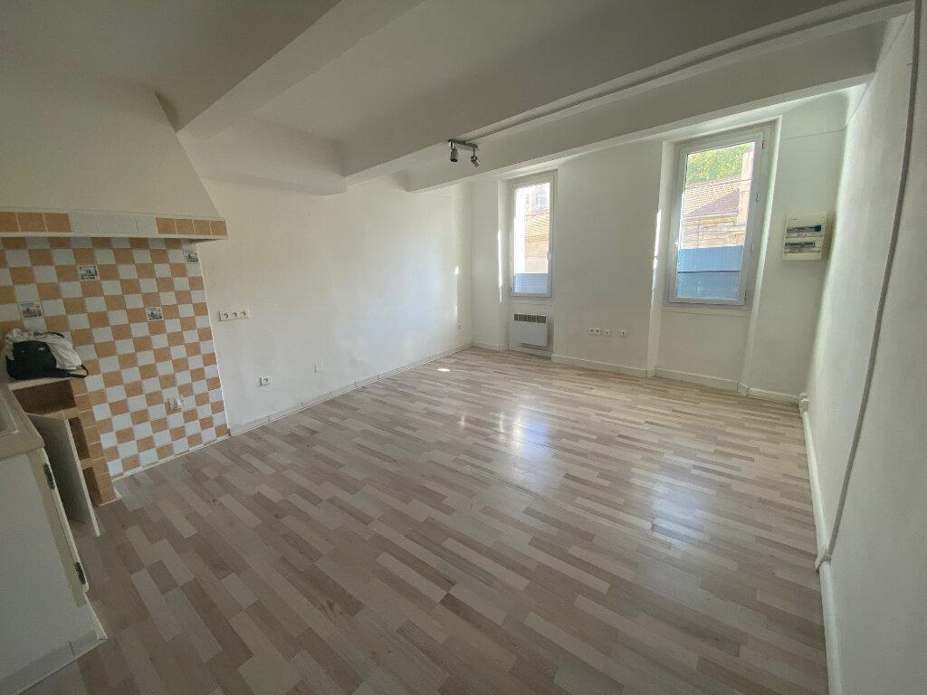 Appartement à louer 2 37m2 à La Seyne-sur-Mer vignette-1