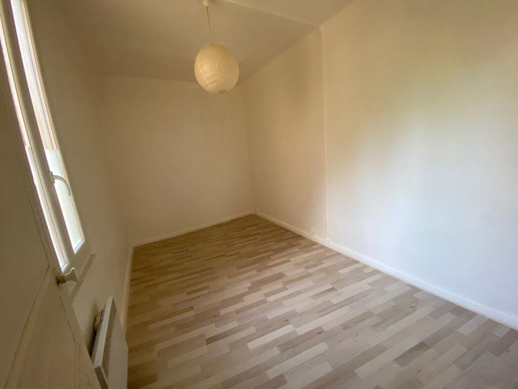 Appartement à louer 2 37m2 à La Seyne-sur-Mer vignette-3