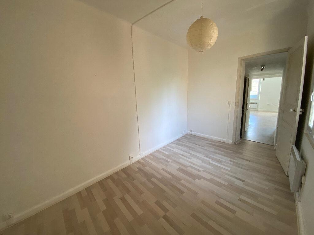 Appartement à louer 2 37m2 à La Seyne-sur-Mer vignette-4