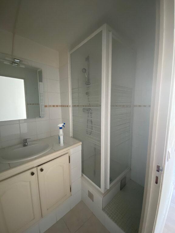 Appartement à louer 2 37m2 à La Seyne-sur-Mer vignette-5