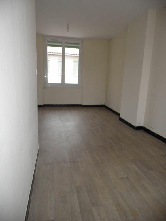 Appartement à louer 3 63.53m2 à La Seyne-sur-Mer vignette-2
