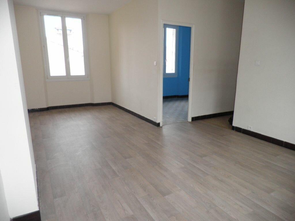 Appartement à louer 3 63.53m2 à La Seyne-sur-Mer vignette-4