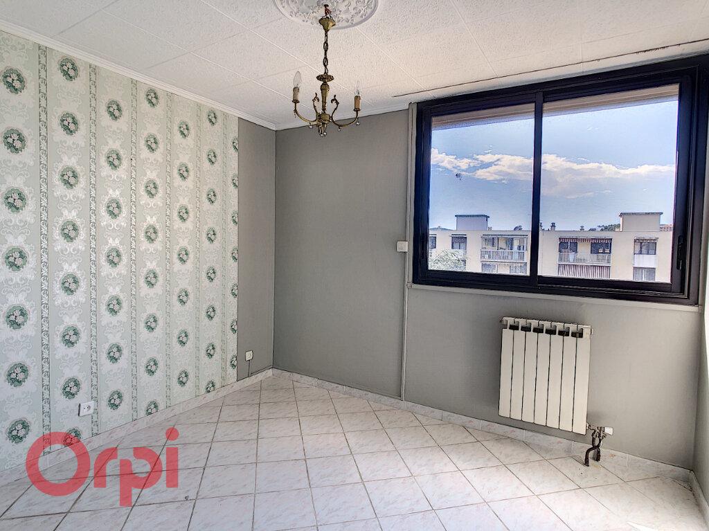 Appartement à vendre 4 79m2 à La Seyne-sur-Mer vignette-3