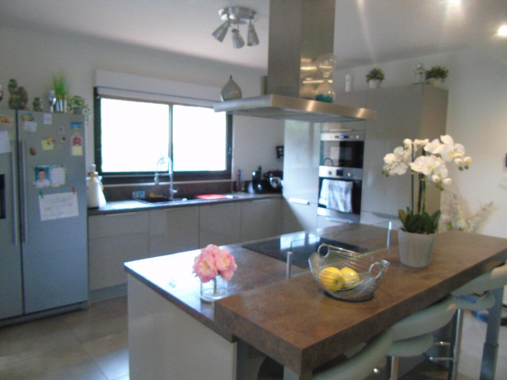 Maison à vendre 7 215m2 à La Seyne-sur-Mer vignette-2