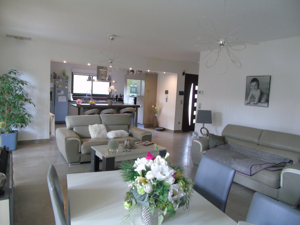 Maison à vendre 7 215m2 à La Seyne-sur-Mer vignette-4
