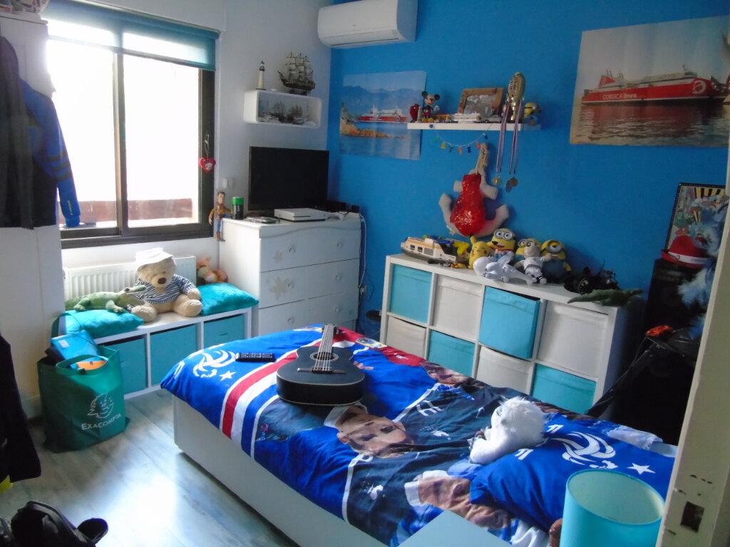 Maison à vendre 7 215m2 à La Seyne-sur-Mer vignette-8
