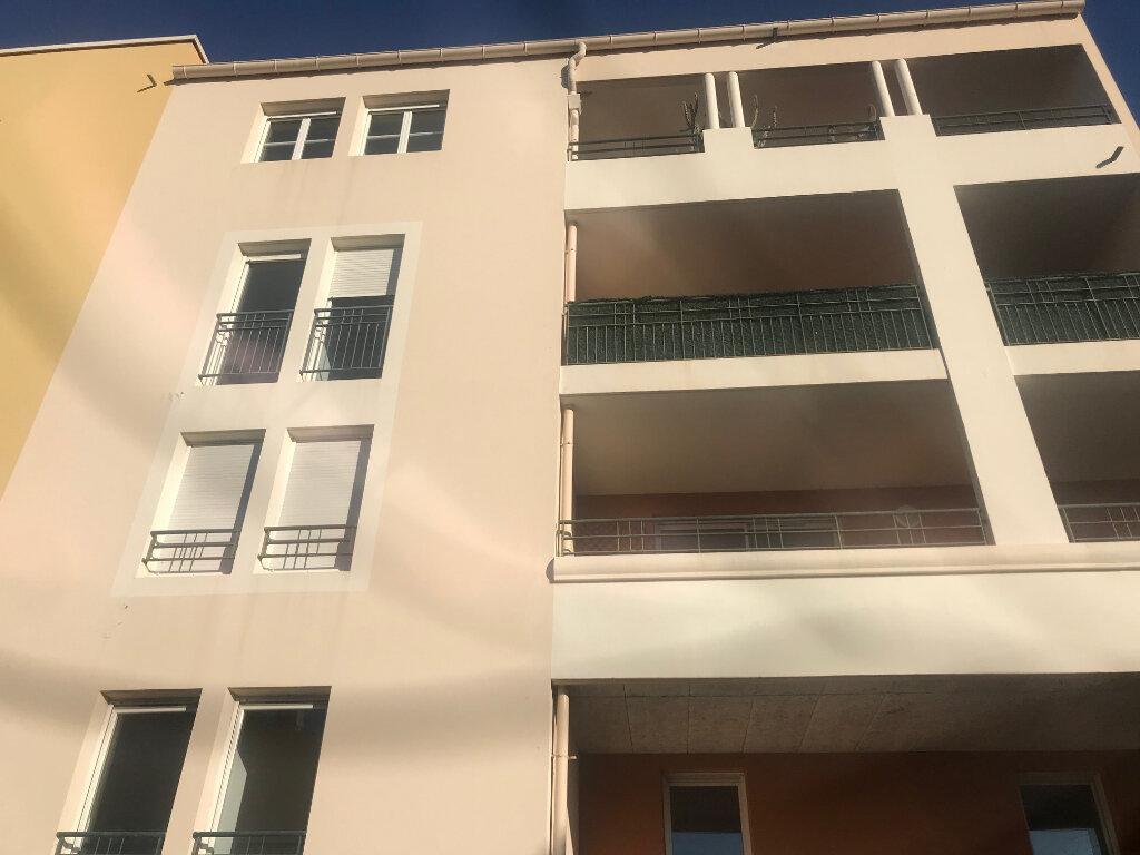 Appartement à vendre 3 66.88m2 à La Seyne-sur-Mer vignette-1