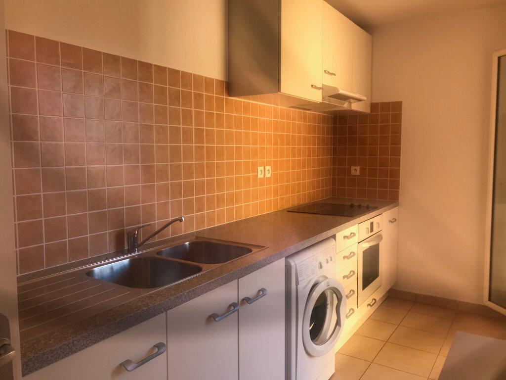 Appartement à vendre 3 66.88m2 à La Seyne-sur-Mer vignette-2