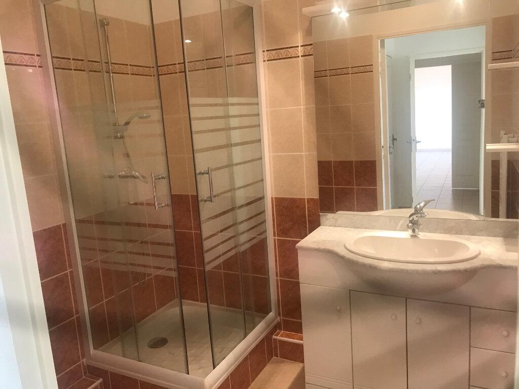 Appartement à vendre 3 66.88m2 à La Seyne-sur-Mer vignette-5