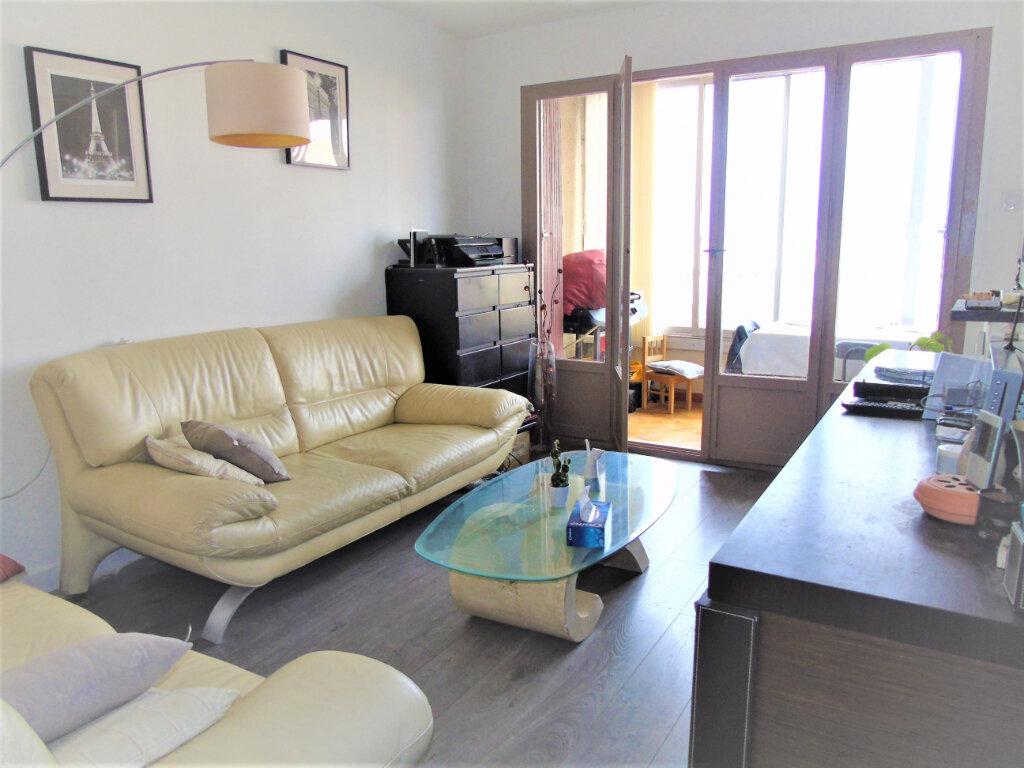 Appartement à vendre 3 52.81m2 à Saint-Mandrier-sur-Mer vignette-2