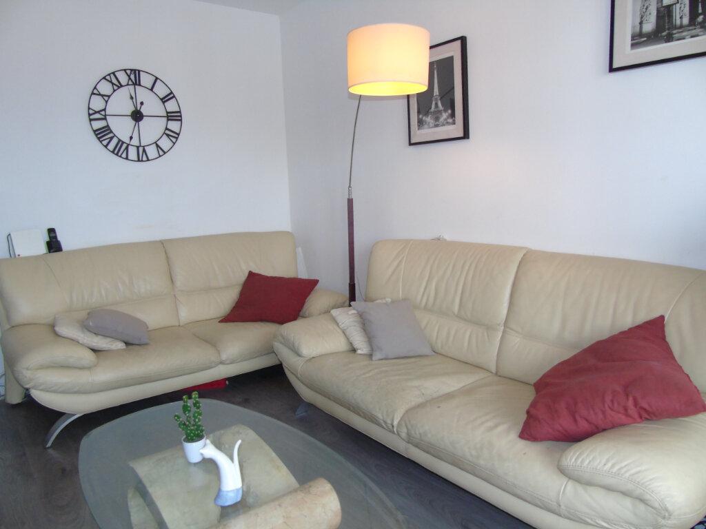 Appartement à vendre 3 52.81m2 à Saint-Mandrier-sur-Mer vignette-3