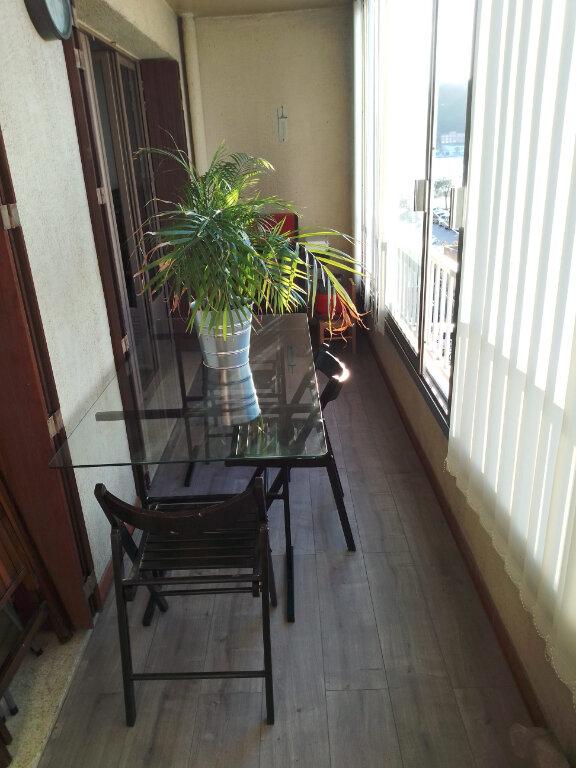 Appartement à vendre 3 52.81m2 à Saint-Mandrier-sur-Mer vignette-4
