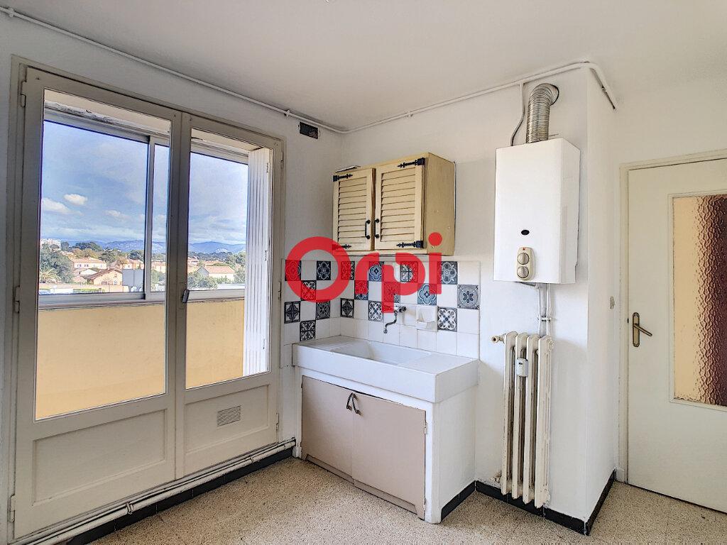 Appartement à vendre 4 62m2 à La Seyne-sur-Mer vignette-1