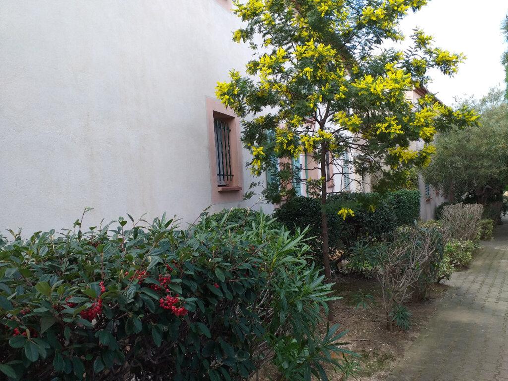 Maison à vendre 3 37.7m2 à La Seyne-sur-Mer vignette-2
