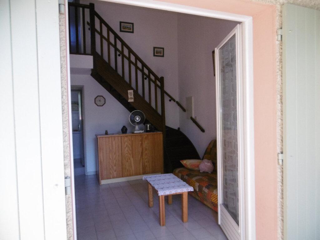 Maison à vendre 3 37.7m2 à La Seyne-sur-Mer vignette-3