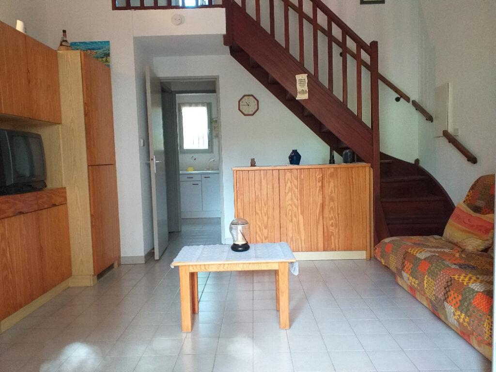 Maison à vendre 3 37.7m2 à La Seyne-sur-Mer vignette-4