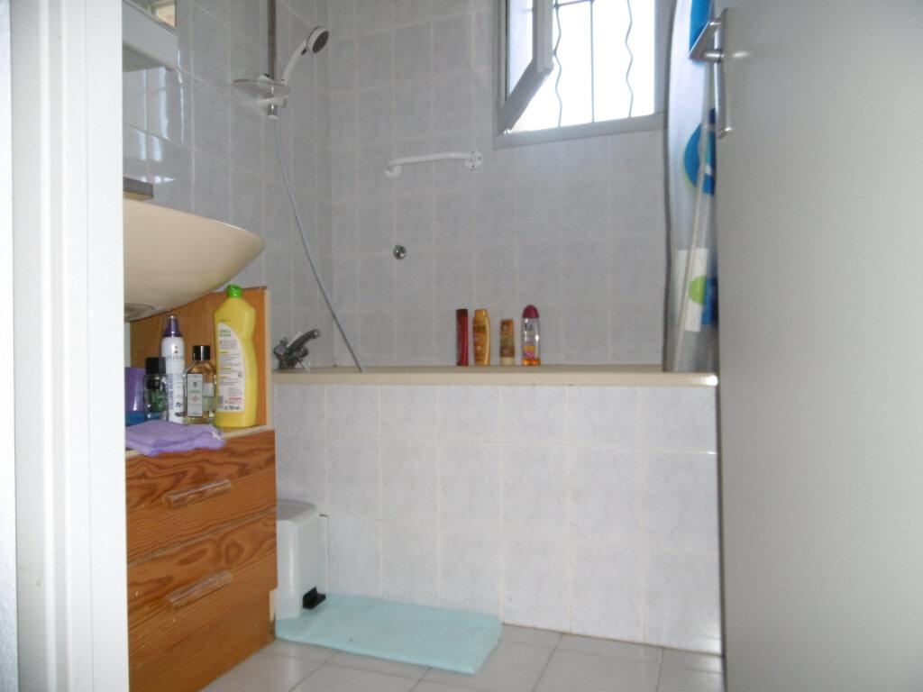 Maison à vendre 3 37.7m2 à La Seyne-sur-Mer vignette-8