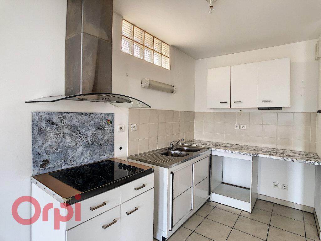 Appartement à vendre 3 72.33m2 à La Seyne-sur-Mer vignette-1