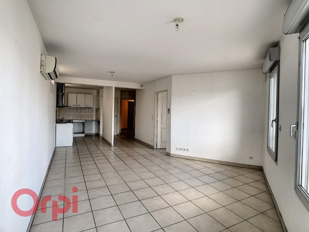 Appartement à vendre 3 72.33m2 à La Seyne-sur-Mer vignette-3