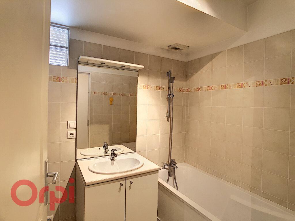 Appartement à vendre 3 72.33m2 à La Seyne-sur-Mer vignette-5