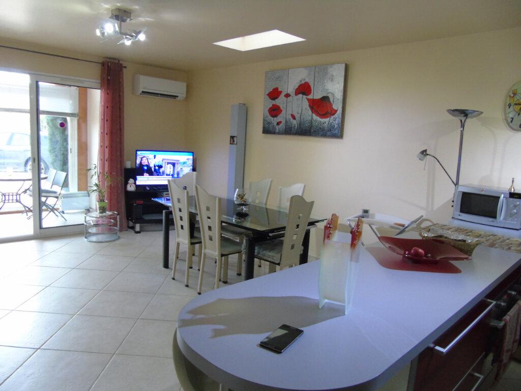 Appartement à vendre 3 60m2 à Six-Fours-les-Plages vignette-5