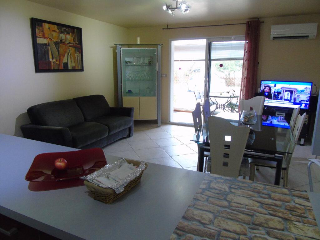 Appartement à vendre 3 60m2 à Six-Fours-les-Plages vignette-6