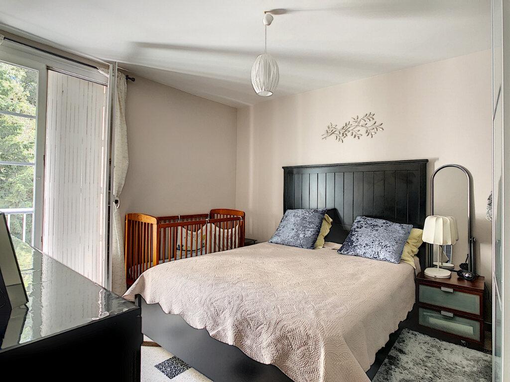 Appartement à vendre 4 76m2 à La Seyne-sur-Mer vignette-4