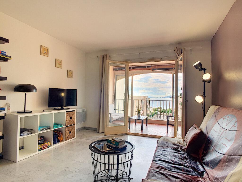 Appartement à vendre 2 45m2 à Six-Fours-les-Plages vignette-2