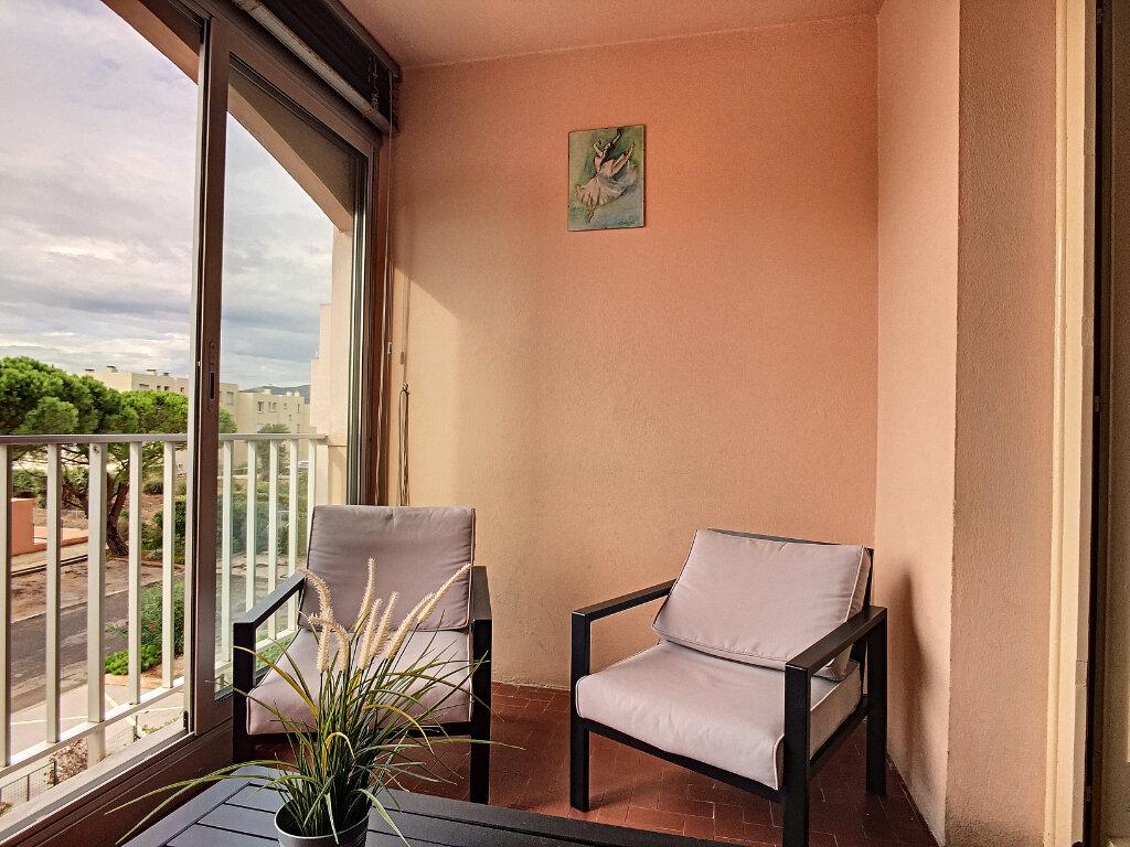 Appartement à vendre 2 45m2 à Six-Fours-les-Plages vignette-3