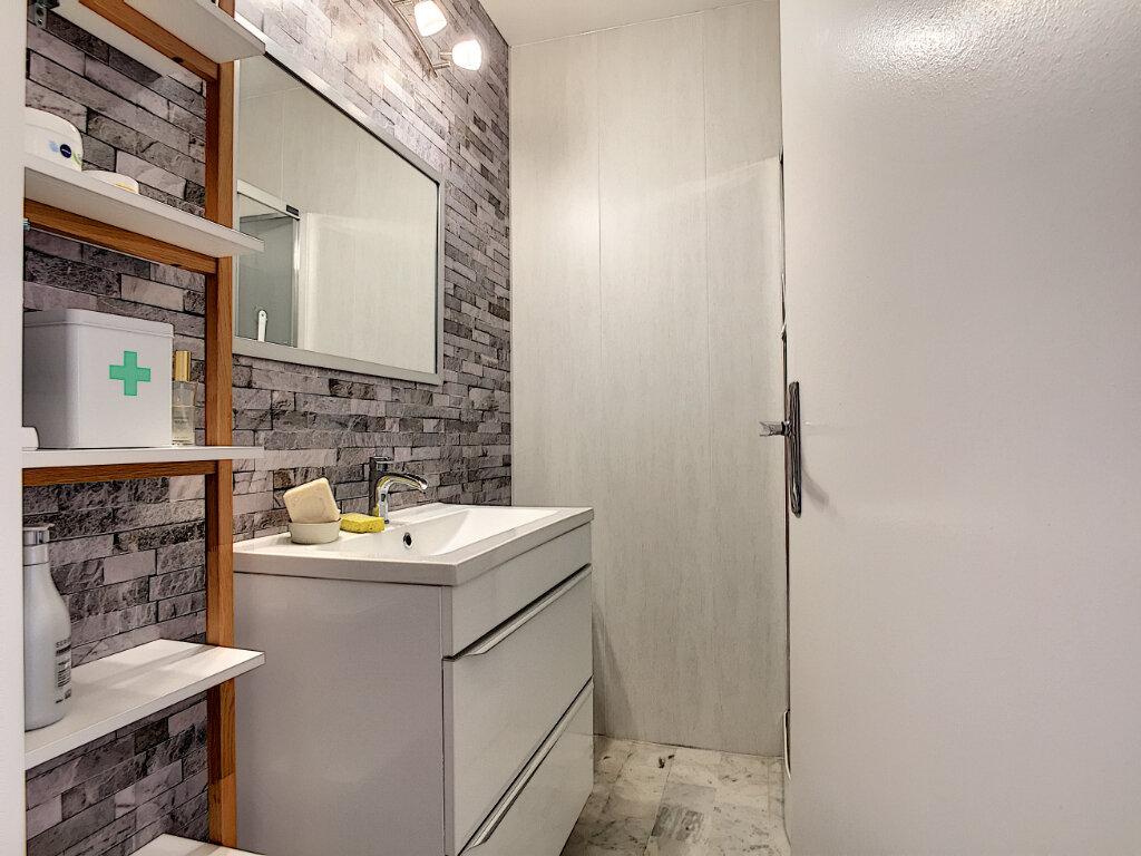 Appartement à vendre 2 45m2 à Six-Fours-les-Plages vignette-8