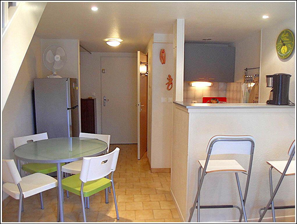 Maison à louer 3 29.63m2 à Bandol vignette-1