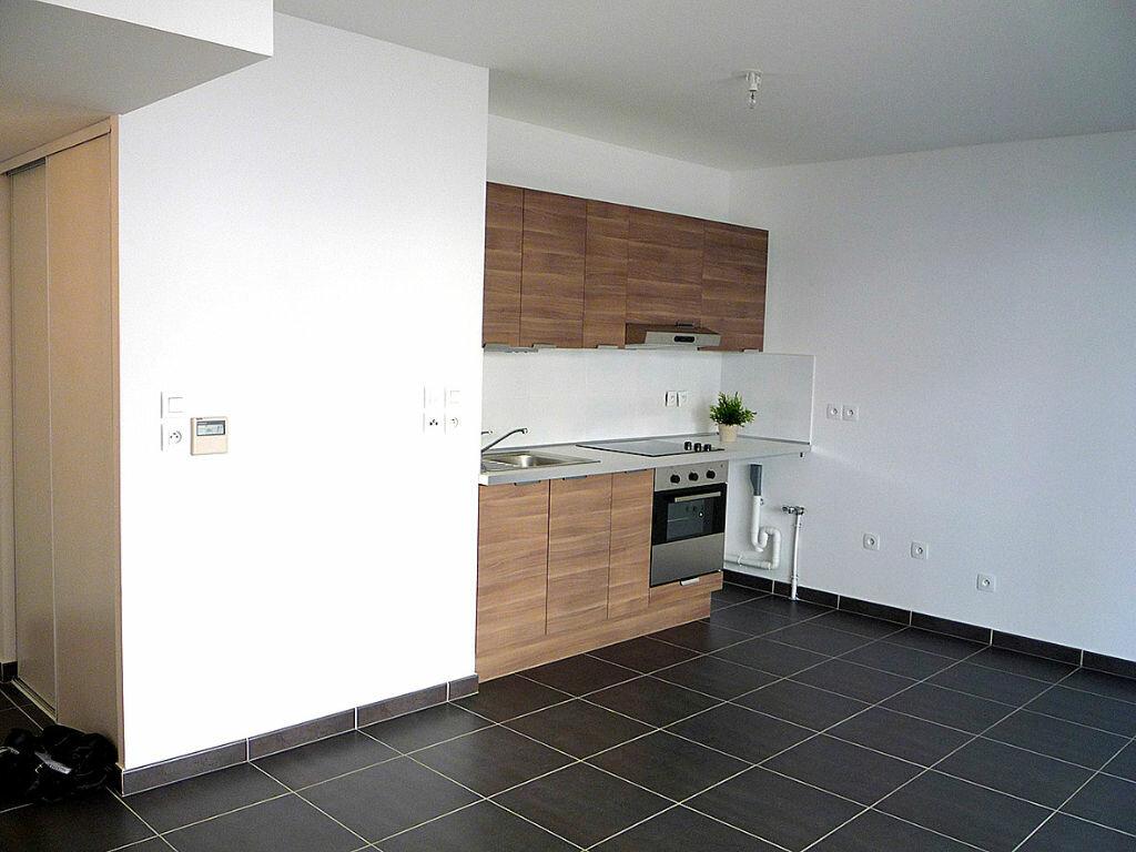 Appartement à louer 2 43.62m2 à Bandol vignette-3