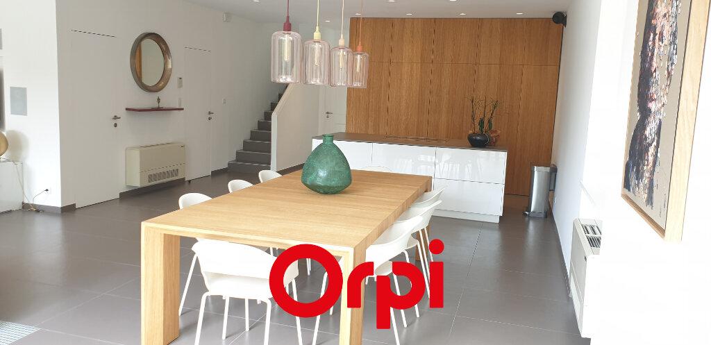 Maison à vendre 5 179m2 à Bandol vignette-5