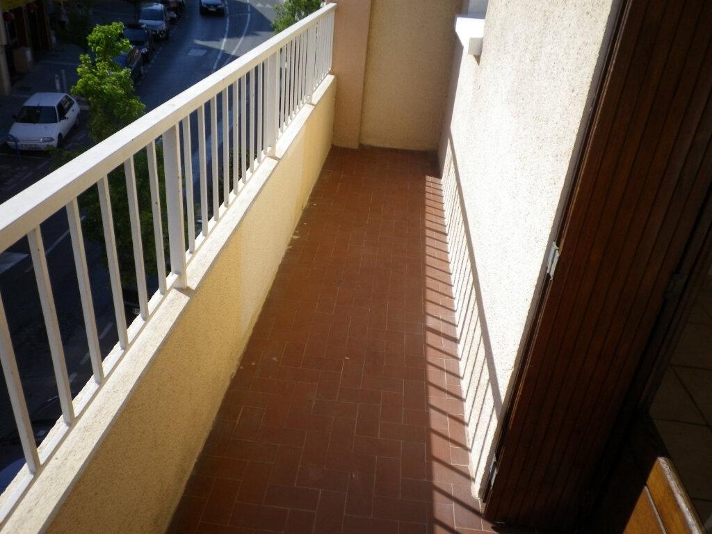 Appartement à louer 2 45.59m2 à Bandol vignette-4