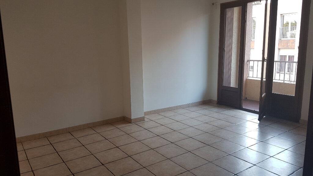 Appartement à louer 2 45.59m2 à Bandol vignette-5