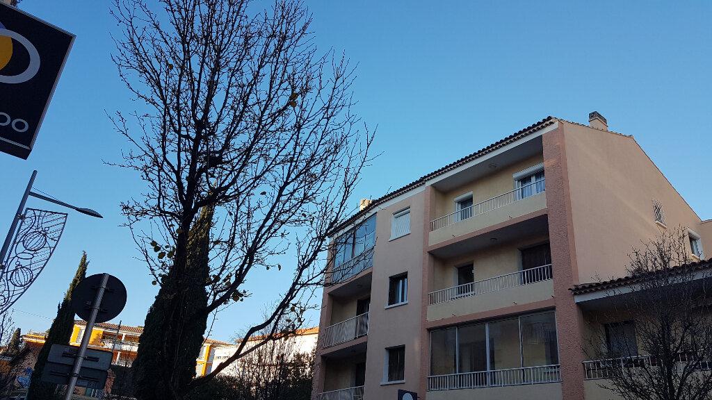 Appartement à louer 2 45.59m2 à Bandol vignette-10