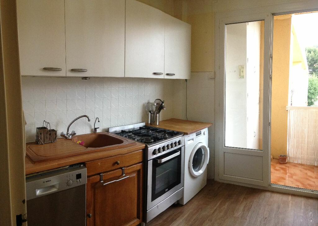 Appartement à louer 3 59.37m2 à Bandol vignette-4