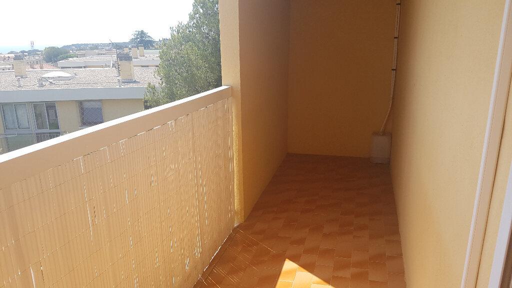 Appartement à louer 3 59.37m2 à Bandol vignette-6