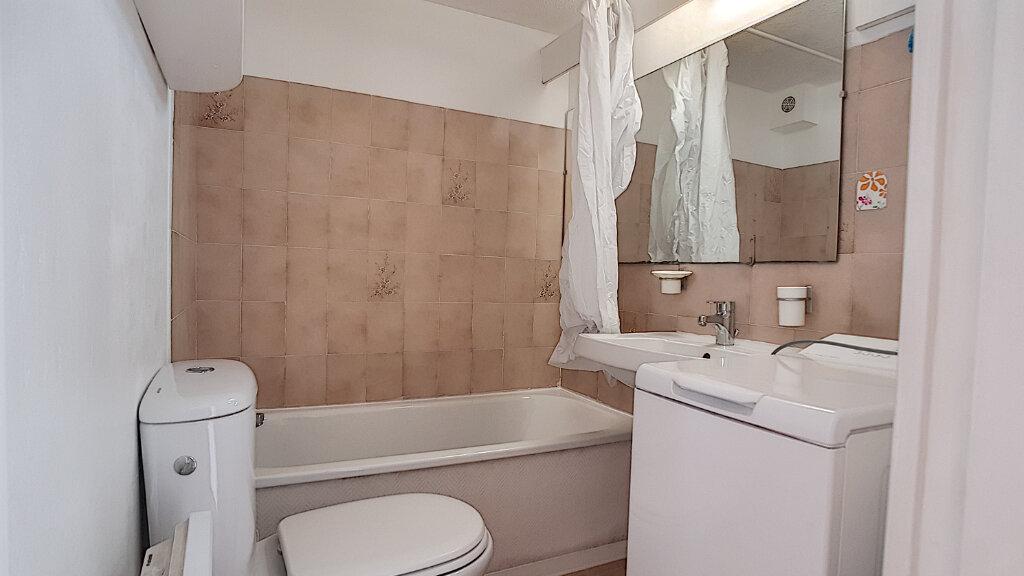Appartement à louer 1 19.57m2 à Bandol vignette-5