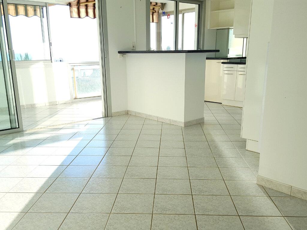 Appartement à louer 3 62m2 à Bandol vignette-10