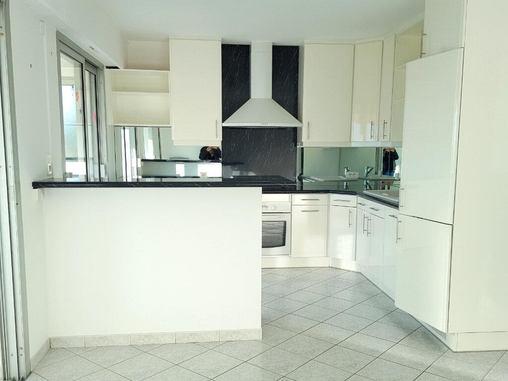 Appartement à louer 3 62m2 à Bandol vignette-11