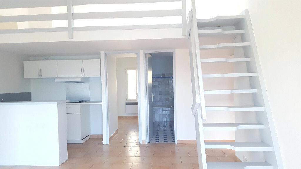 Appartement à louer 3 45m2 à Bandol vignette-2