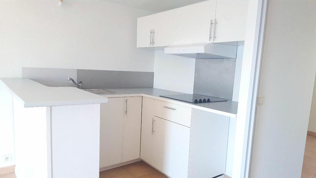 Appartement à louer 2 45m2 à Bandol vignette-3