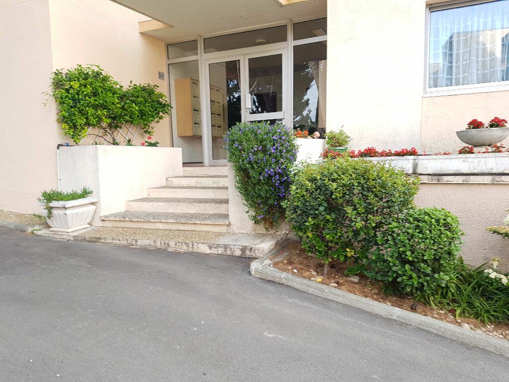 Appartement à louer 2 35.86m2 à La Ciotat vignette-4