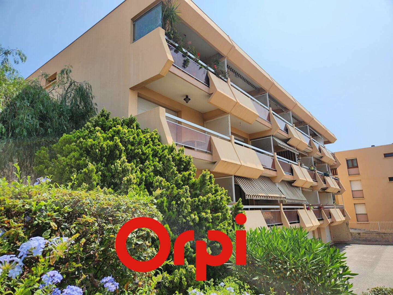 Appartement à louer 1 30.71m2 à Bandol vignette-2