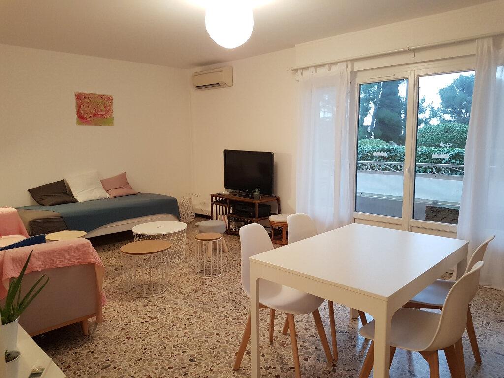 Appartement à louer 3 71.01m2 à Bandol vignette-2