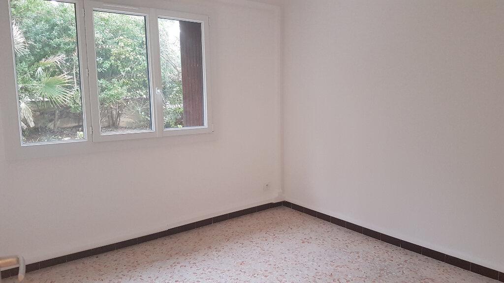 Appartement à louer 3 71.01m2 à Bandol vignette-7